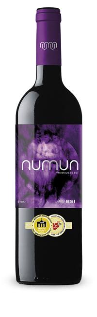 numun-syrah-medalla14-w